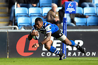 Semesa Rokoduguni of Bath Rugby scores a try in the first half. Heineken Champions Cup match, between Wasps and Bath Rugby on October 20, 2018 at the Ricoh Arena in Coventry, England. Photo by: Patrick Khachfe / Onside Images