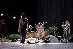 (S)acre<br /> <br /> Chor&eacute;graphie : David Drouard<br /> Avec Aude Arago, Julie Coutant, Karima El Amrani, Ingrid Estarque, Delphine Gaud, Lea Helmst&auml;dter, Marie Marcon, Coline Siberchicot, L&eacute;onore Zurfluh <br /> Musique live Agathe Max, Emilie Rougier, Simone Aubert<br /> Architecte paysagiste, jardinier Gilles Cl&eacute;ment <br /> Lumi&egrave;res Eric Soyer assist&eacute; de Julien Guenoux<br /> Assistants &agrave; la cr&eacute;ation musicale Eric Ald&eacute;a, Ivan Chiossone <br /> Sc&eacute;nographie Pierre Henry Marsal <br /> Conseiller &agrave; la dramaturgie Florian Gait&eacute; <br /> Costumes Salvador Mateu Adujar<br /> Cadre : Suresnes Cit&eacute; Danse<br /> Lieu : Th&eacute;&acirc;tre Jean Vilar<br /> Ville : Suresnes<br /> Date : 11/01/2018