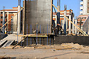 Iraq 2008.Construction of new buildings in Suleimania   Irak 2008 Construction de nouveaux immeubles a Souleimania
