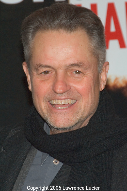 "Director Jonathan Demme arrives at the New York screening of ""The Pursuit of Happyness"" December 2, 2006, at the Beekman Theater in New York City. (Pictured : JONATHAN DEMME)."