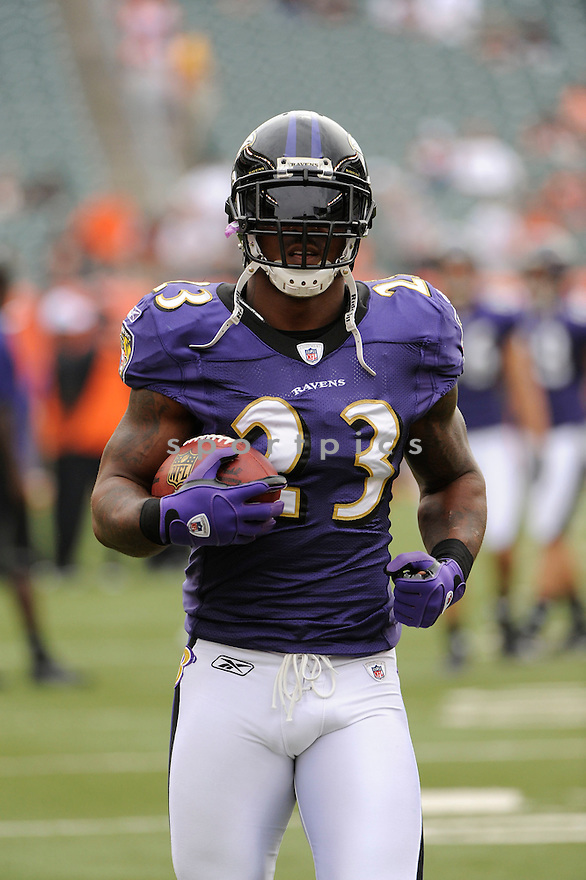 WILLIS MCGAHEE, of the Baltimore Ravens in action during the Ravens game against the Cincinnati Bengals on September 19, 2010 Paul Brown Stadium in Cincinnati, Ohio...The Bengals win 15-10