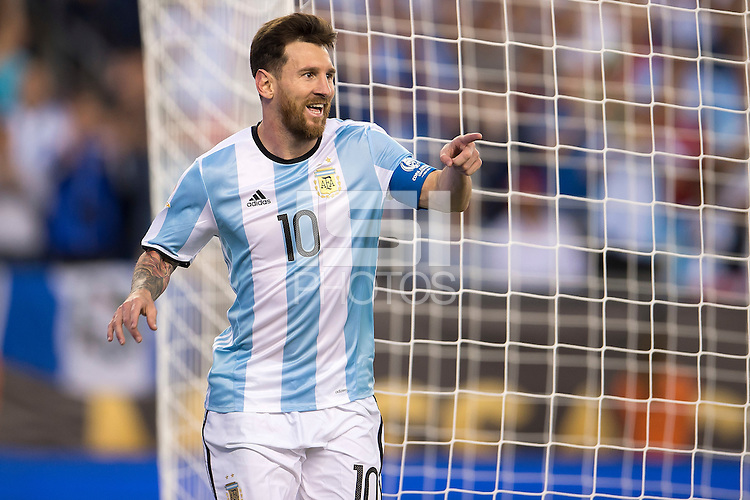 Action photo during the match Argentina vs Venezuela at Gillette Stadium Copa America Centenario 2016. ---Foto de accion durante el partido Argentina vs Venezuela, En el Estadio Gillette. Partido Correspondiante a los Cuartos de Final de la Copa America Centenario USA 2016, en la foto: Festejo de gol de Lionel Messi<br /> --- - 18/06/2016/MEXSPORT/Osvaldo Aguilar.