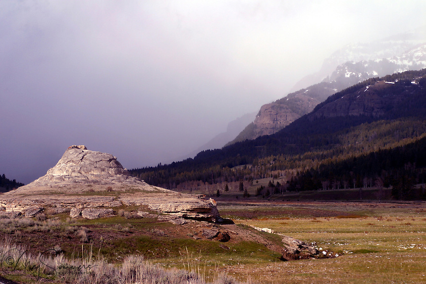 This is the famous Soda Butte from which the creek and valley get their names. A little over a mile from the confluence of the creek and the Lamar River, the feature is an extinct hot springs cone of travertine. During the time the US Calvary managed the Park, there was a ranger station just west of the Soda Butte.