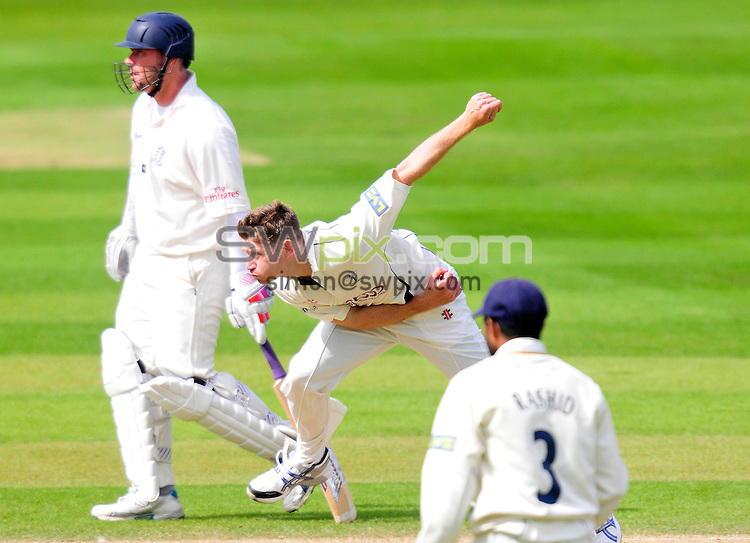 PICTURE BY SIMON WILKINSON/SWPIX.COM...Cricket - LV County Championship - Yorkshire v Durham, Day Two - Headingley, Leeds, England - 16/04/11...Yorkshire's Richard Pyrah steams in to bowl.