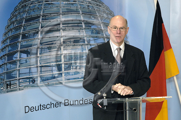 Brussels-Belgium - 05 February 2007---MdB Dr. Norbert LAMMERT (CDU), Member and President of Deutscher Bundestag (German Federal Parliament), during the opening of the Liaison-Office of the German Federal Parliament to the EU---Photo: Horst Wagner/eup-images