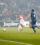 Nederland, Amsterdam, 20 januari 2013.Eredivisie.Seizoen 2012-2013.Ajax-Feyenoord.Viktor Fischer (l.) van Ajax scoort de 1-0. Rechts Joris Mathijsen van Feyenoord.