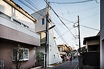 Tokyo, February 16 2011 - Sway house by Atelier Bow-Wow