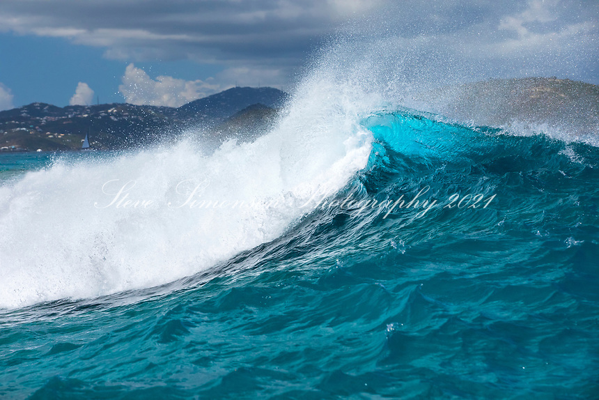 North swell on Johnson's Reef<br />