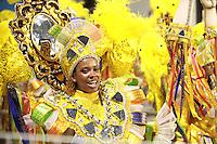 SAO PAULO, SP, 19 DE FEVEREIRO 2012 - CARNAVAL SP - MOCIDADE ALEGRE - Desfile da escola de samba Mocidade Alegre na segunda noite do Carnaval 2012 de São Paulo, no Sambódromo do Anhembi, na zona norte da cidade, neste domingo.(FOTO: RICARDO LOU  - BRAZIL PHOTO PRESS).
