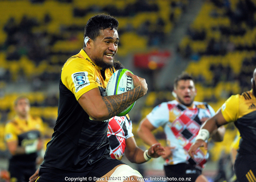 Vaea Fifita makes a break during the Super Rugby match between the Hurricanes and Southern Kings at Westpac Stadium, Wellington, New Zealand on Friday, 25 March 2016. Photo: Dave Lintott / lintottphoto.co.nz
