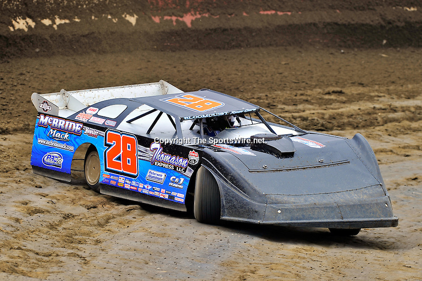 Feb 11, 2011; 12:04:38 PM; Gibsonton, FL., USA; The Lucas Oil Dirt Late Model Racing Series running The 35th annual Dart WinterNationals at East Bay Raceway Park.  Mandatory Credit: (thesportswire.net)
