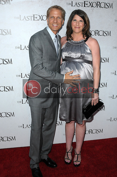 Patrick Fabian and wife Linda<br />