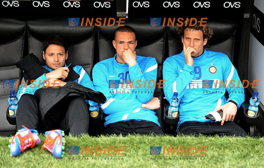 "Mauro ZARATE, Luc CASTAIGNOS, Diego FORLAN (Inter).Milano 18/03/2012 Stadio ""Giuseppe Meazza"".Serie A 2011/2012.Football Calcio Inter Vs Atalanta.Foto Insidefoto Alessandro Sabattini."