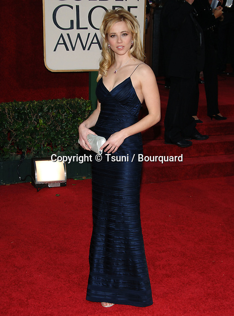 Linda Cardellini arriving at the Golden Globes Awards at the Beverly Hilton Hotel in Los Angeles. January 16, 2006.