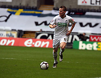 Pictured: Mark Gower of Swansea<br /> Re: FA Cup Fifth Round, Swansea City FC v Fulham at the Liberty Stadium. Swansea, south Wales, Saturday 14 February 2009<br /> Picture by D Legakis Photography / Athena Picture Agency, Swansea 07815441513