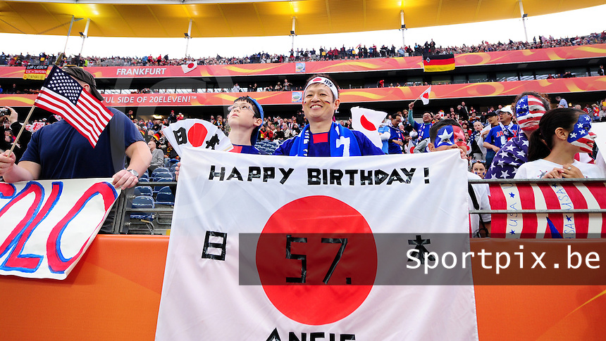 Fifa Women's World Cup Germany 2011 : Japan - USA  at Commerzbank Arena Frankfurt : Japanse supporters : happy birthday angie - angela merkel.foto DAVID CATRY / Vrouwenteam.be