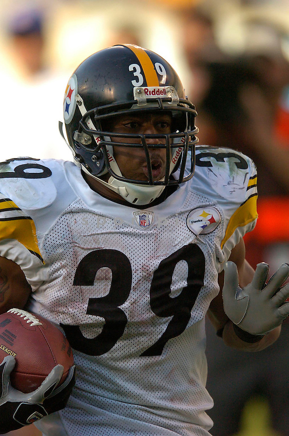 WILLIE PARKER, of the Pittsburgh Steelers during their game  against the Carolina Panthers on December 17, 2006 in Charlotte, NC...Steelers  win 37-3...CHRIS BERNACCHI/ SPORTPICS
