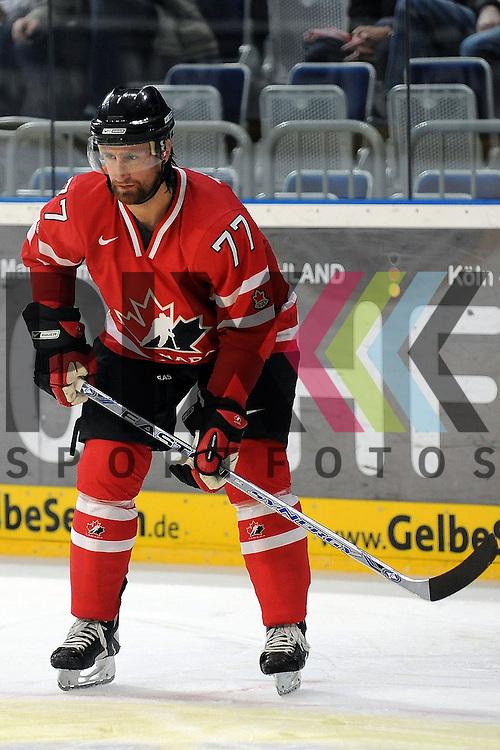 Mannheim 07.11.2008, Deutschland Cup in  Mannheim SAP Arena beim Spiel Canada - Slovakai, Canadas Paul Traynor<br /> <br /> Foto &copy; Rhein-Neckar-Picture *** Foto ist honorarpflichtig! *** Auf Anfrage in h&ouml;herer Qualit&auml;t/Aufl&ouml;sung. Belegexemplar erbeten.