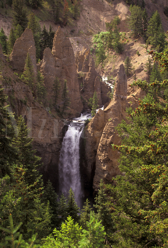 AJ3566, Yellowstone National Park, waterfall, Yellowstone, Wyoming, The Yellowstone River cascades over Tower Falls in Yellowstone National Park in the state of Wyoming.
