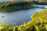 Il bacino artificiale della diga dell'Alaco. Catanzaro, 4 agosto 2008<br /> The reservoir created by the Alaco dam. Catanzaro, August 4, 2008