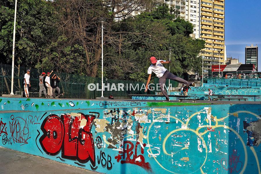 Skatistas na Praça Roosevelt. Sao Paulo. 2016. Foto de Marcia Minillo.