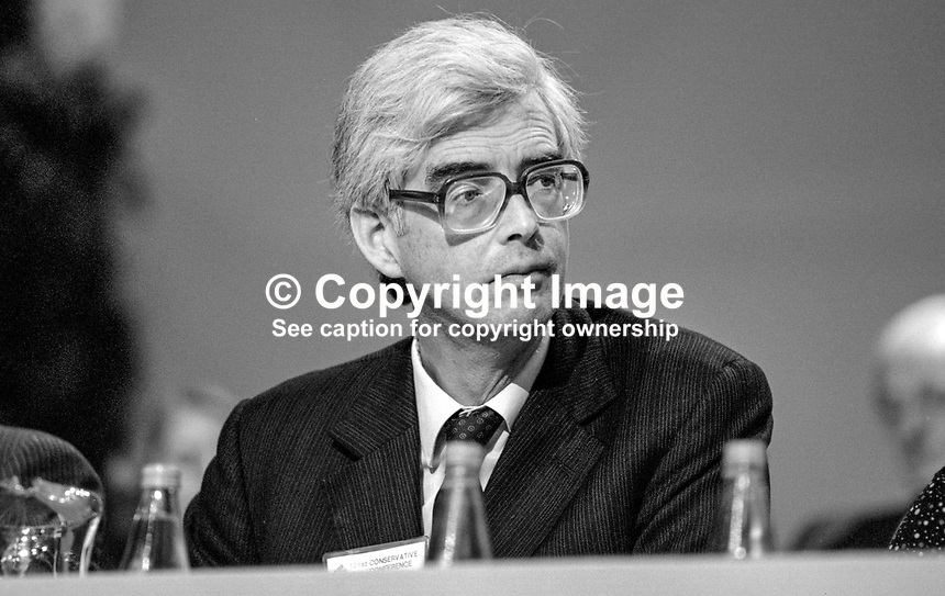Lord Elton, 2nd Baron, Conservative Party, peer, House of Lords, UK, junior minister, Home Office, on platform at annual conference, Brighton. 19840147LE3..Copyright Image from Victor Patterson, 54 Dorchester Park, Belfast, UK, BT9 6RJ..Tel: +44 28 9066 1296.Mob: +44 7802 353836.Voicemail +44 20 8816 7153.Skype: victorpattersonbelfast.Email: victorpatterson@me.com.Email: victorpatterson@ireland.com (back-up)..IMPORTANT: If you wish to use this image or any other of my images please go to www.victorpatterson.com and click on the Terms & Conditions. Then contact me by email or phone with the reference number(s) of the image(s) concerned.