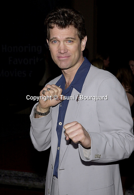Chris Isaak arriving at the 7th Annual Blockbuster Entertainment Awards  at the Shrine Auditorium in Los Angeles  4/10/2001 © Tsuni          -            IsaakChris35.jpg