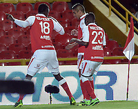 BOGOTÁ -COLOMBIA, 29-09-2013. Jugadores de Santa Fe celebran un gol en contra del Medellín durante partido  por la fecha 12 de la Liga Postobon II 2013 disputado en el estadio el Campín de la ciudad de Bogotá./ Santa Fe players celebrate a goal against Medellin during match of the 12th date for the Postobon League II 2013 played at El Campin stadium in Bogotá city. Photo: VizzorImage/Gabriel Aponte/STR