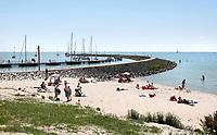 Nederland  Stavoren- 2017.  Het strandje bij Stavoren.   Foto Berlinda van Dam / Hollandse Hoogte