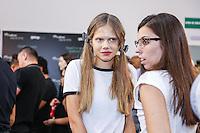 SÃO PAULO, SP, 25.042016 - DESFILE - SPFW - Backstage da grife Amabilis durante São Paulo Fashion Week verão 2017na Bienal do Ibirapuera nesta segunda-feira, 25. (Foto: Monica Silveira/Brazil Photo Pres)