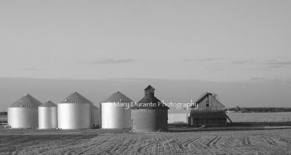 silos farmland