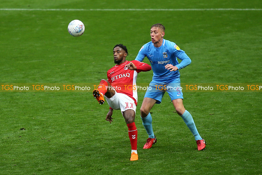 Tariq Fosu of Charlton flicks the ball over his head as Coventry's Tom Davies looks on during Charlton Athletic vs Coventry City, Sky Bet EFL League 1 Football at The Valley on 6th October 2018