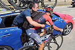 Vivcenzo Nibali (ITA) Bahrain-Merida loads up with water bottles at the team car during Stage 17 of the La Vuelta 2018, running 186.1km from Ejea de los Caballeros to Lleida, Spain. 13th September 2018.                   <br /> Picture: Unipublic/Photogomezsport | Cyclefile<br /> <br /> <br /> All photos usage must carry mandatory copyright credit (&copy; Cyclefile | Unipublic/Photogomezsport)