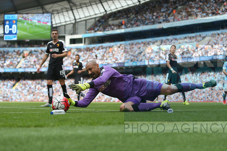 Heurelho Gomes of Watford makes a diving save - Manchester City vs Watford - Barclay's Premier League - Etihad Stadium - Manchester - 29/08/2015 Pic Philip Oldham/SportImage