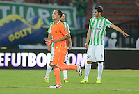 MEDELLÍN -COLOMBIA-23-08-2014. Jhonatan Alvarez (Der) jugador de Envigado FC celebra un gol anotado a Atlético Nacional durante partido por la fecha 6 de la Liga Postobón II 2014 jugado en el estadio Atanasio Girardot de la ciudad de Medellín./ Jhonatan Alvarez (R) player of Envigado FC celebrates a goal scored to Atletico Nacional during the match for the 6th date of the Postobon League II 2014 at Atanasio Girardot stadium in Medellin city. Photo: VizzorImage/Luis Ríos/STR