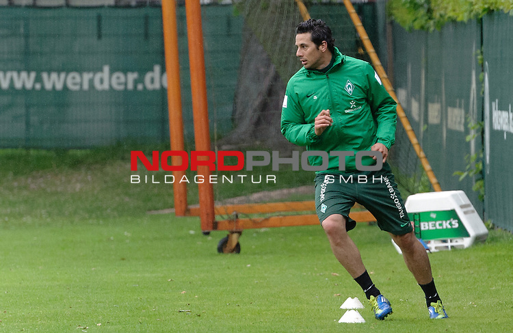 15.05.2012, Trainingsgelaende, Bremen, GER, 1.FBL, Training Werder Bremen, im Bild Claudio Pizarro (Bremen #24)<br /> <br /> // during training session of Werder Bremen on 2012/05/15, Trainingsgelaende, Bremen, Germany.<br /> Foto &copy; nph / Frisch *** Local Caption ***