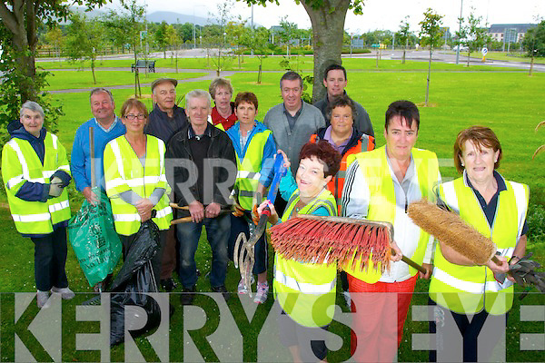 Ballymullen, Castlemorris, Cloonbeg, Garyruth and Murphy's Terrace Residents in preparation for the Entente Florale on Monday evening. Pictured front Joan O'Regan Assistant Secretary, Eileen Fitzgerald Moriarty, Chairperson, Kit Ryan, Assistant PRO  with John O'Sullivan, Michael Gaffney, Ciara Fields, Tommy Collins, Michael Murphy, Brian O'Donoghue, Patricia Crowley, Ann O'Shea, Eileen Kelliher, Mary Welch,