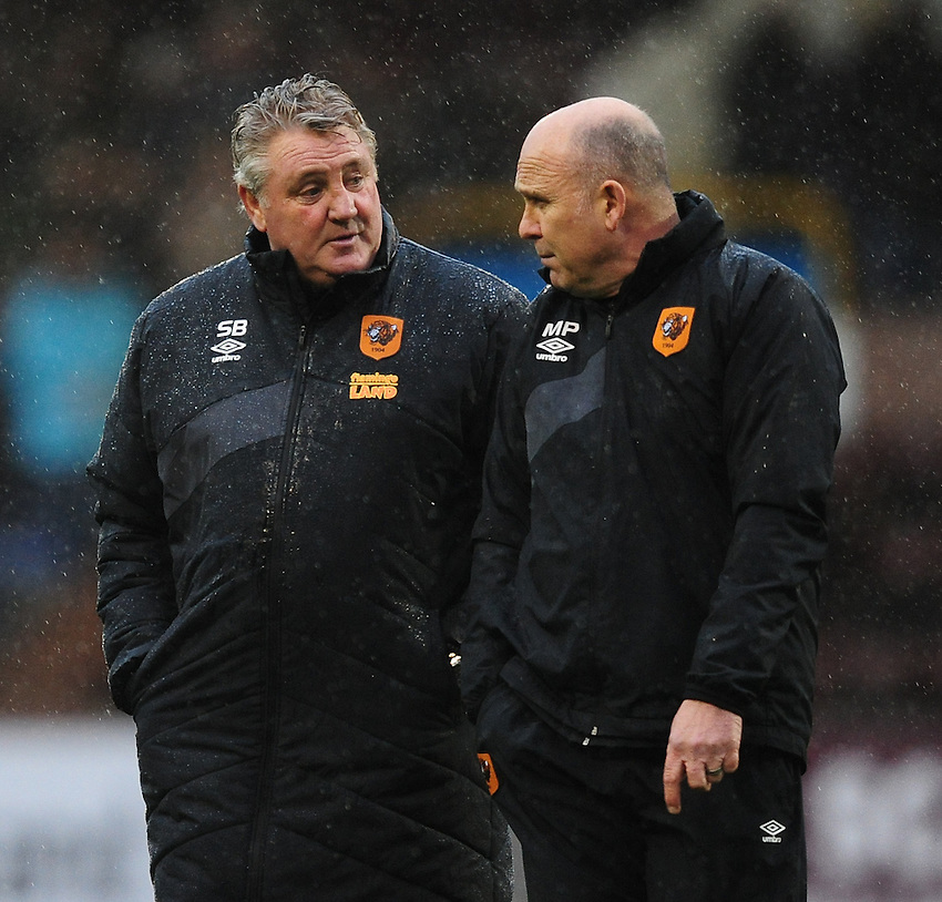 Hull City manager Steve Bruce, left, and Hull City&rsquo;s assistant manager Mike Phelan<br /> <br /> Photographer Chris Vaughan/CameraSport<br /> <br /> Football - The Football League Sky Bet Championship - Burnley v Hull City - Saturday 6th February 2016 - Turf Moor - Burnley <br /> <br /> &copy; CameraSport - 43 Linden Ave. Countesthorpe. Leicester. England. LE8 5PG - Tel: +44 (0) 116 277 4147 - admin@camerasport.com - www.camerasport.com