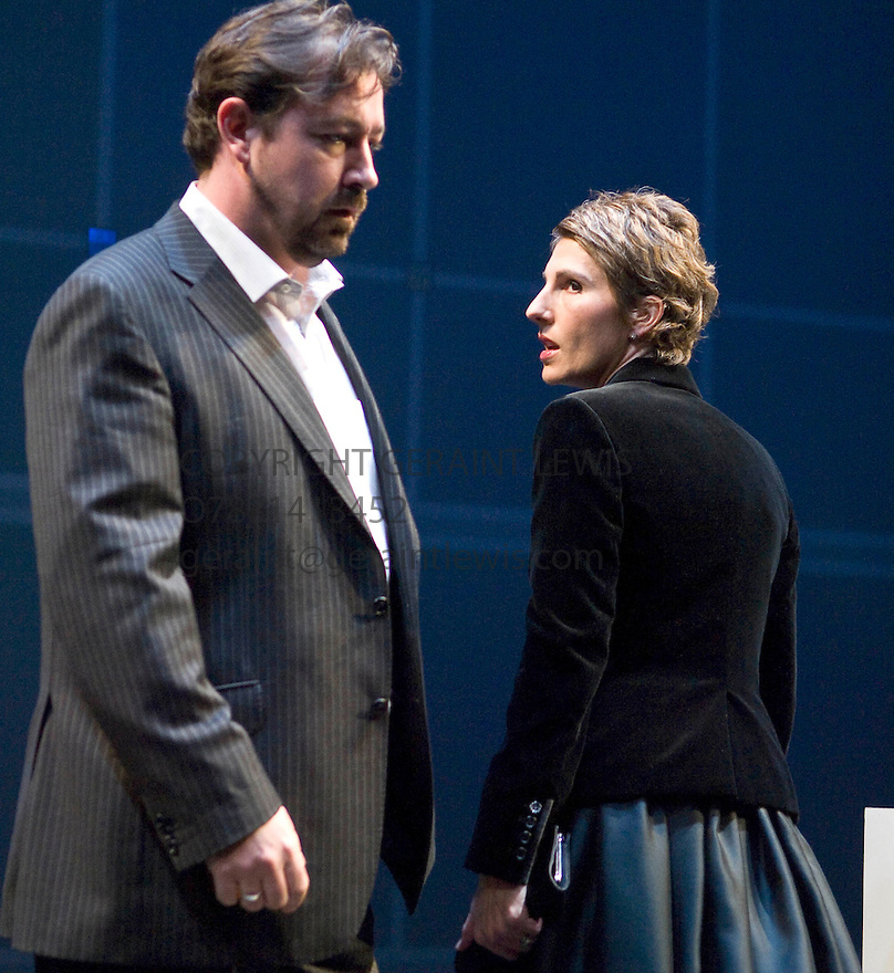 Getsemane by David Hare,directed by Howard Davies. With Tamsin Greig as Meredith Guest, Daniel Ryan as Mike Drysdale.Opens at The Cottesloe Theatre at The National Theatre on 11/11/08. CREDIT Geraint Lewis