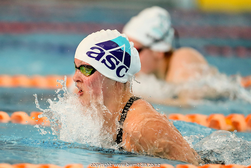 Hannah Bates (400m IM) in action during the Swimming New Zealand Short Course Championships,Owen G Glenn National Aquatic Centre, Auckland, New Zealand, Friday 6 October 2017. Photo: Simon Watts/www.bwmedia.co.nz