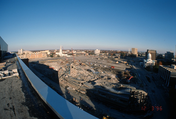 1996 DECEMBER 03..Redevelopment..Macarthur Center.Downtown North (R-8)..LOOKING EAST.SUPERWIDE...NEG#.NRHA#..