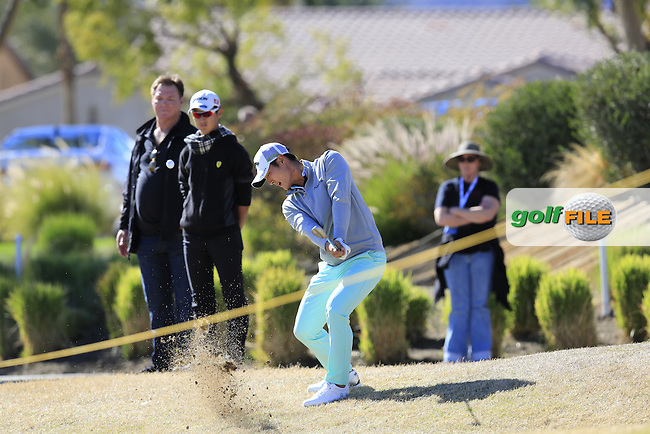 Danny Lee (NZL) chips onto the 18th green during Saturday's Round 3 of the 2017 CareerBuilder Challenge held at PGA West, La Quinta, Palm Springs, California, USA.<br /> 21st January 2017.<br /> Picture: Eoin Clarke | Golffile<br /> <br /> <br /> All photos usage must carry mandatory copyright credit (&copy; Golffile | Eoin Clarke)