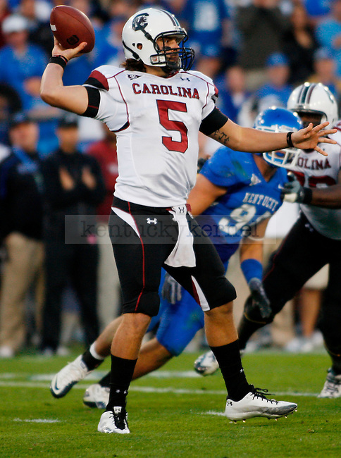 Stephen Garcia throws the ball  in the first half of UK's 31-28 win over  South Carolina football on Saturday, Oct. 16, 2010. Photo by Britney McIntosh | Staff