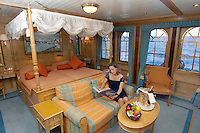 Caribbean cruise with Sea Cloud II. An owner's suite.