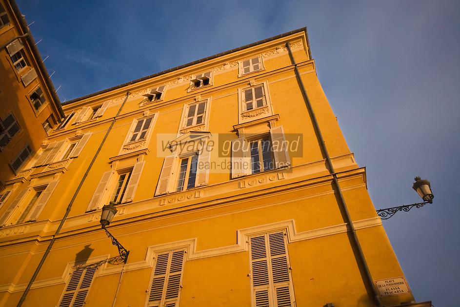 Europe/France/Provence-Alpes-Côte d'Azur/06/Alpes-Maritimes/Nice: Façade des maisons du Cours Saleya