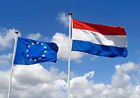 Vlaggen van Nederland  en Europa