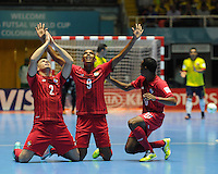 CALI -COLOMBIA-16-09-2016: Josue Brown (Izq) jugador de Panama celebra con Angel Sanche (C) y Michael De Leon (Der) después de anotaar un gol a Colombia durante partido del grupo A de la Copa Mundial de Futsal de la FIFA Colombia 2016 jugado en el Coliseo del Pueblo en Cali, Colombia. /  Josue Brown (L) player of Panama celebrates with Angel Sanche (C) y Michael De Leon (R) after scoring a goal to Colombia during match of the group A of the FIFA Futsal World Cup Colombia 2016 played at Metropolitan Coliseo del Pueblo in Cali, Colombia. Photo: VizzorImage/ NR / Cont