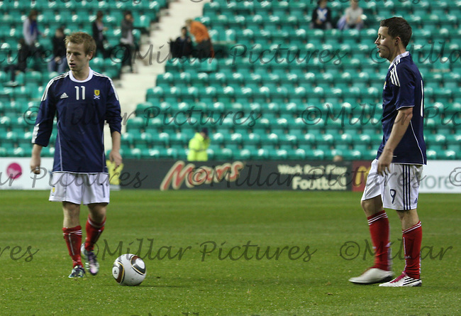 Barry Bannan of Aston Villa and Chris Maguire of Aberdeen try to conjure up some magiuc froma free kick