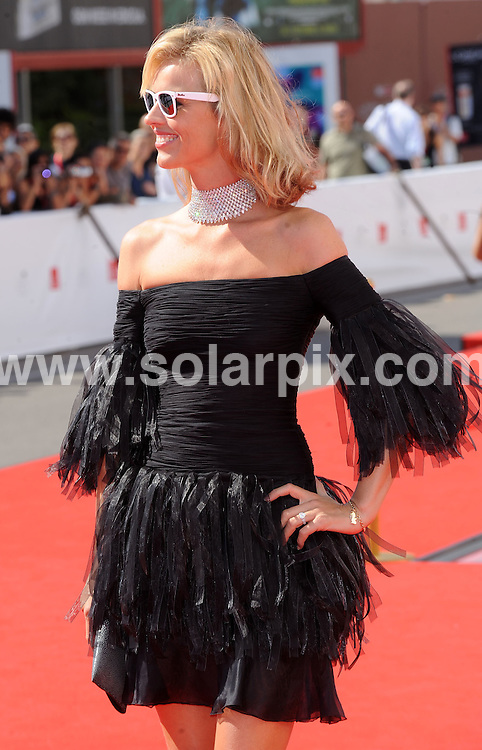 **ALL ROUND PICTURES FROM SOLARPIX.COM**.**WORLDWIDE SYNDICATION RIGHTS**.arrivals for the Valentino:The last Emperor premiere during the 65th Venice Film Festival at Sala Grande, Venice, Italy. August 28, 2008..This pic: Eva Herzigova..JOB REF: 7137 SSD     DATE: 28_08_2008.**MUST CREDIT SOLARPIX.COM OR DOUBLE FEE WILL BE CHARGED* *UNDER NO CIRCUMSTANCES IS THIS IMAGE TO BE REPRODUCED FOR ANY ONLINE EDITION WITHOUT PRIOR PERMISSION*