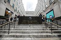 NEW YORK, NY, 04.04.2017 - CLIMA-NEW YORK - Forte neblina é vista no inicio da tarde desta terça-feira, 04 sobre o Rockefeller Center em New York. (Foto: William Volcov/Brazil Photo Press)